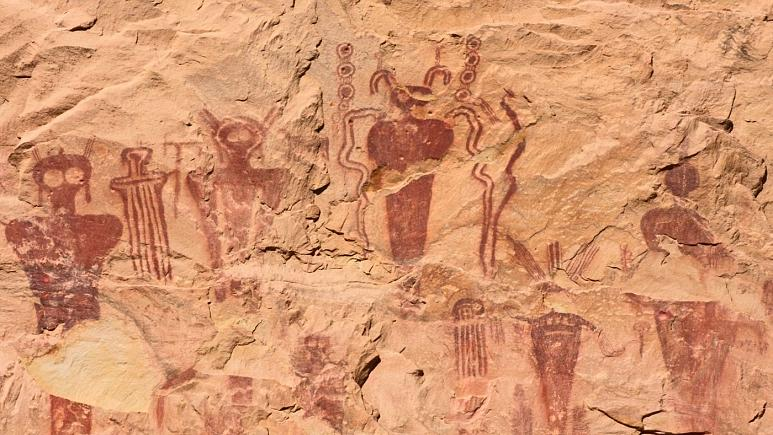 آدم فضاییها در غار۳۰ هزار ساله